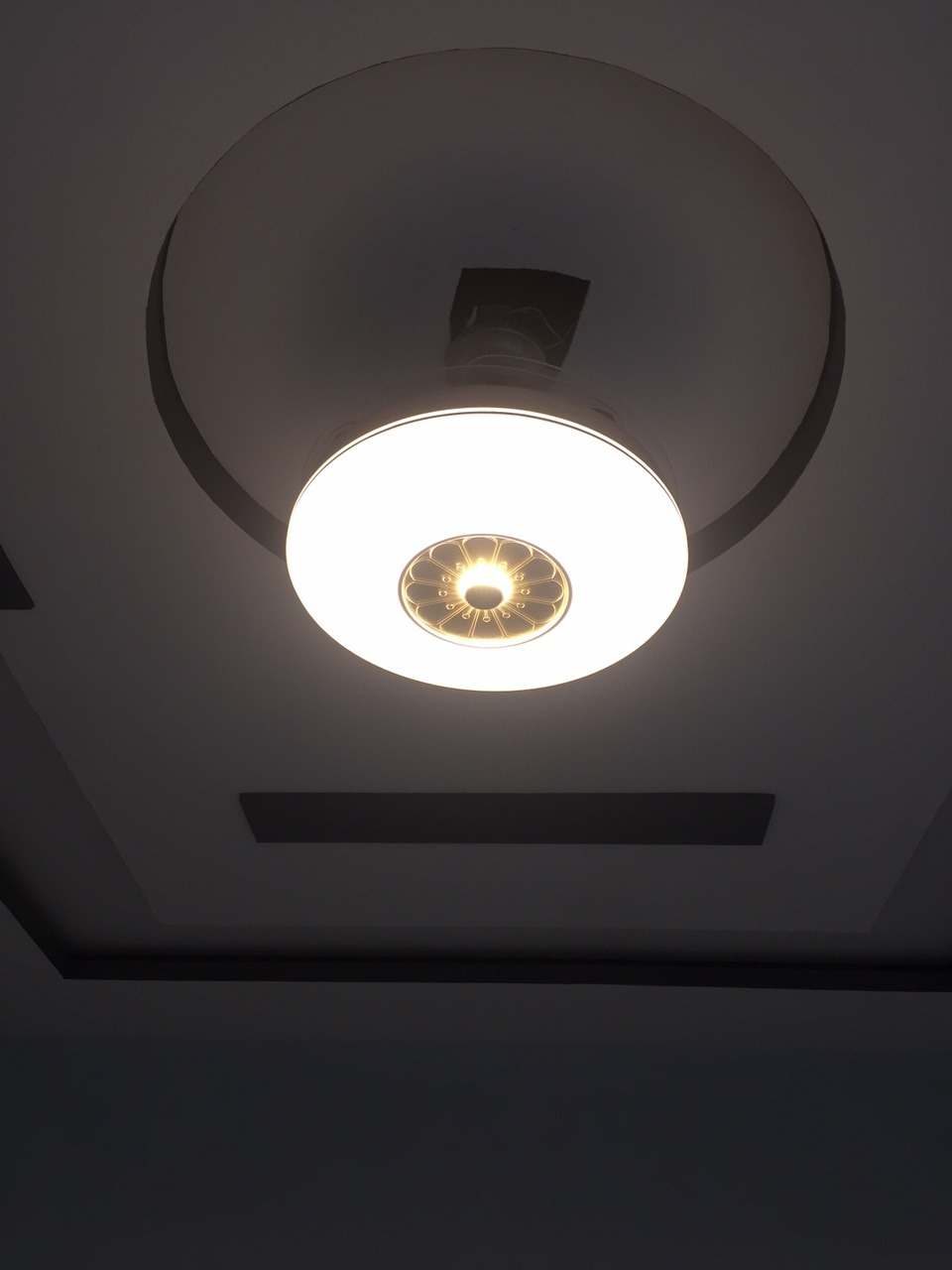 Quạt trần đèn model 6001 trang trí phòng khách