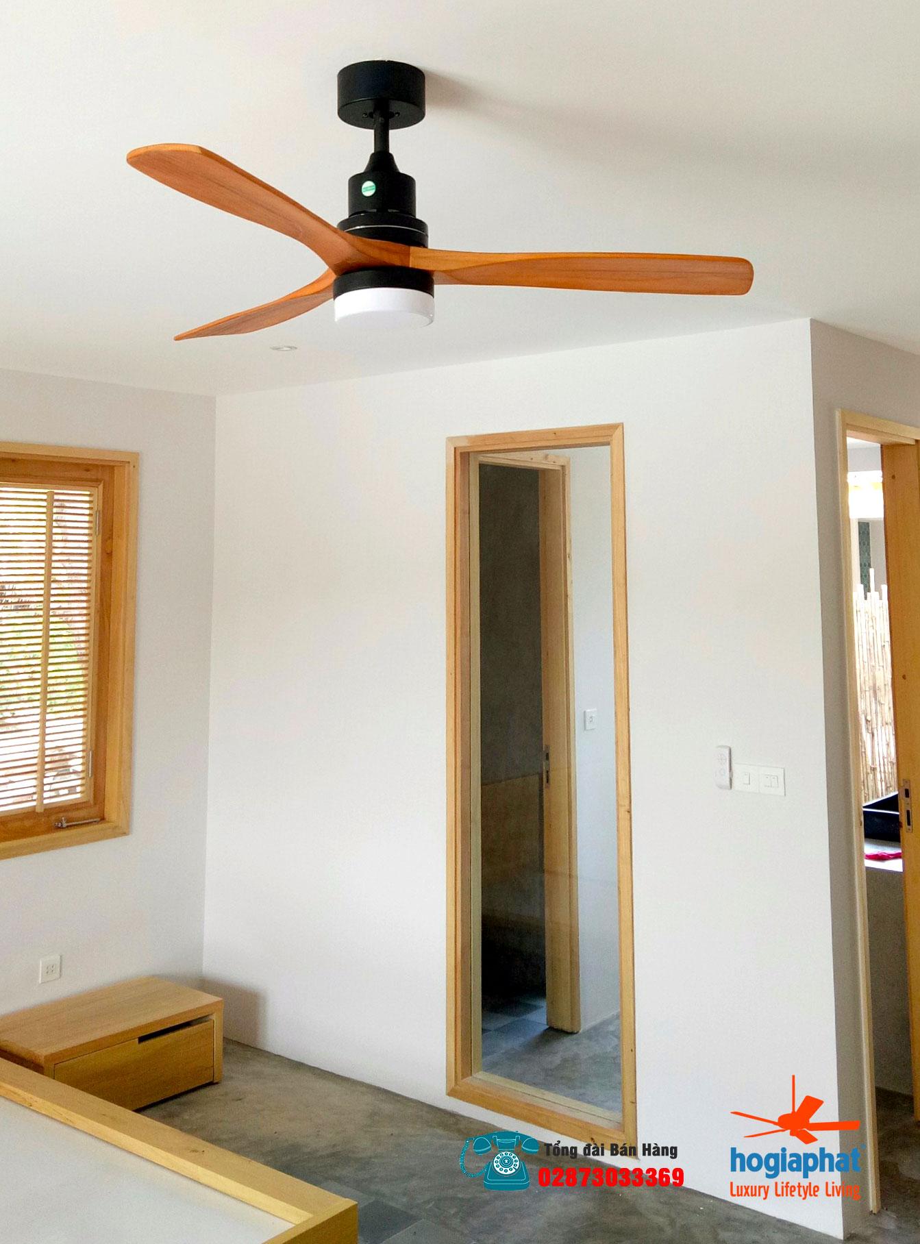 quạt trần cánh gỗ tự nhiên